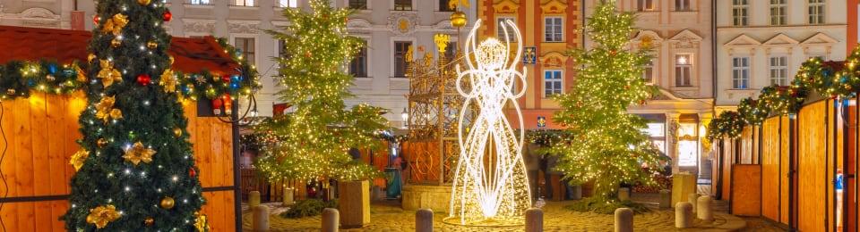 Plaza de la ciudad vieja de cristmas en Praga
